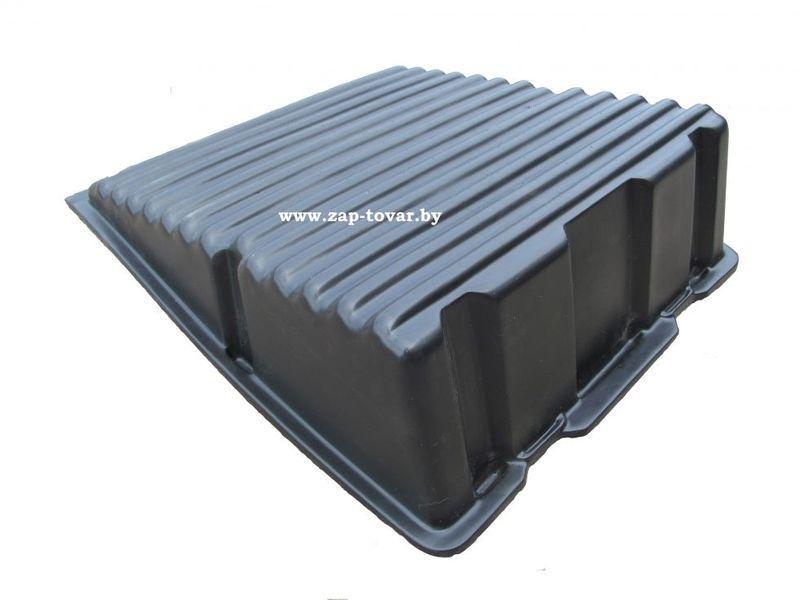 Крышка пластиковая (АКБ) аккумулятора МАЗ 64221-3748032