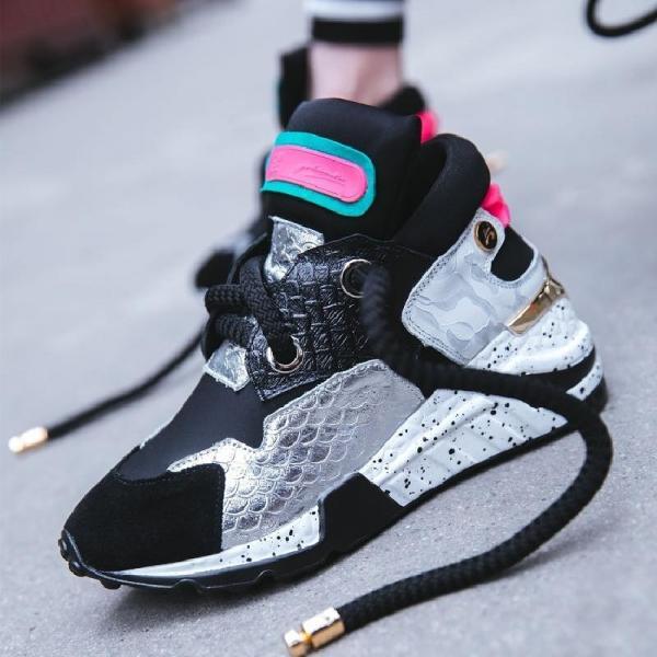 Ультра модные кроссовки