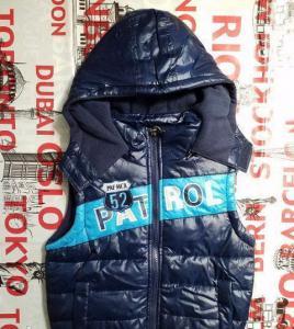 Фото Куртки, комбинезоны, парки, жилетки МАЛЬЧИКАМ Жилетка для мальчика 4,10 лет