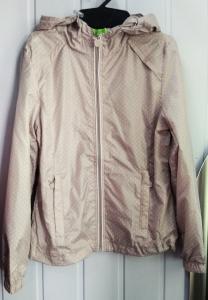 Фото Куртки, комбинезоны, пальто, жилетки ДЕВОЧКАМ РАСПРОДАЖА! -25% Ветровка для девочки 4-6 лет