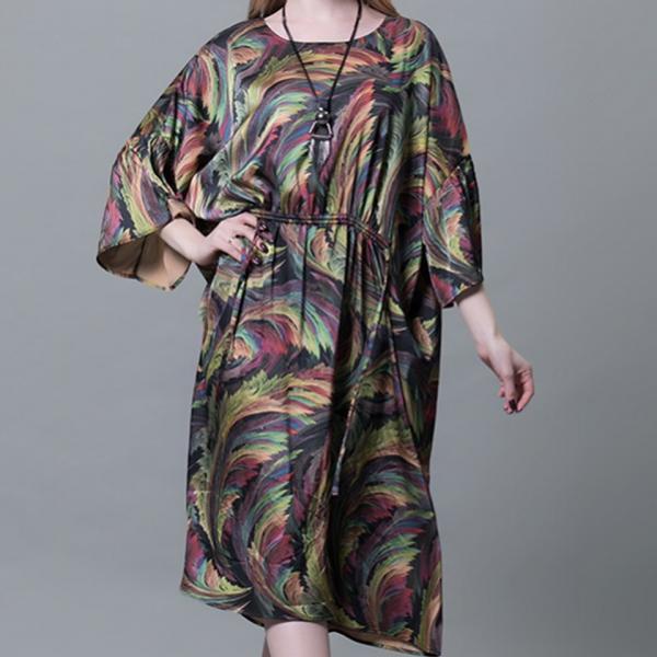 Платье с красивой текстурой летучая мышь