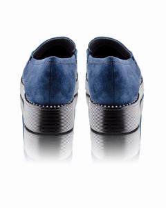 Фото  Синие замшевые туфли