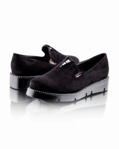 Фото  Замшевые черные туфли