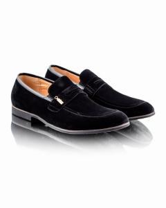 Фото  Классические черные туфли
