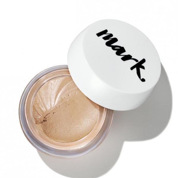 Фото макияж, лицо, тональный крем Тональный матирующий крем-мусс