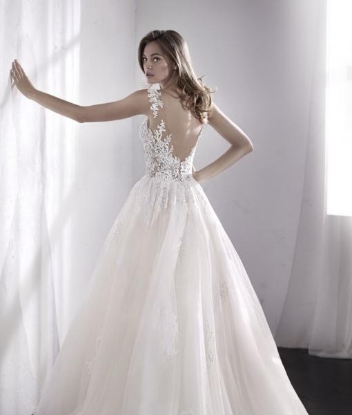 Свадебное платье с открытой спиной и кружевом ЛОРЕЙН