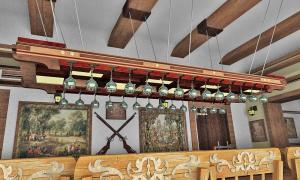 Фото  Обеденный зал в доме для гостей.