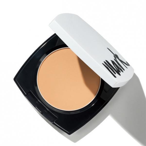 Фото макияж, лицо, тональный крем Компактная пудра «Легкое сияние» SPF 30. Light Medium/ Светлый беж