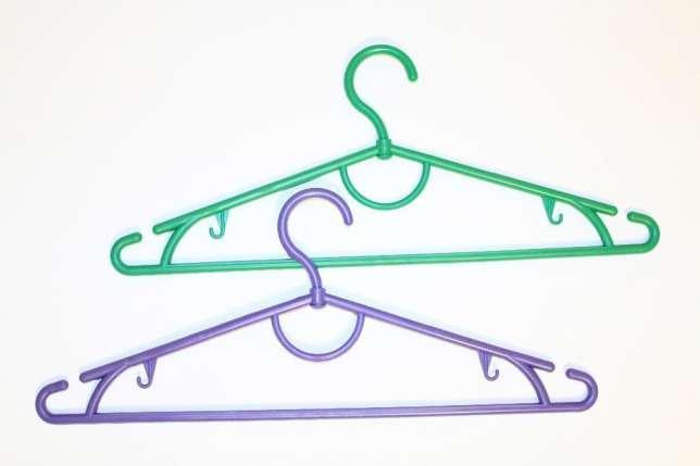 Вешалка для одежды 42 см цветная