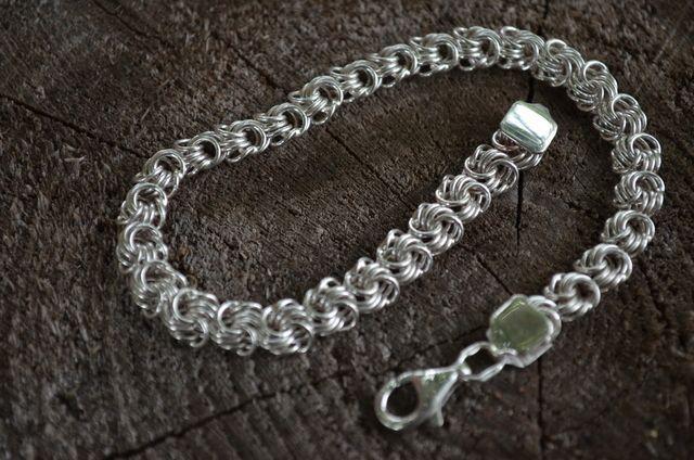 Фото Цепочки и браслеты ручного плетения Плетение Розочка