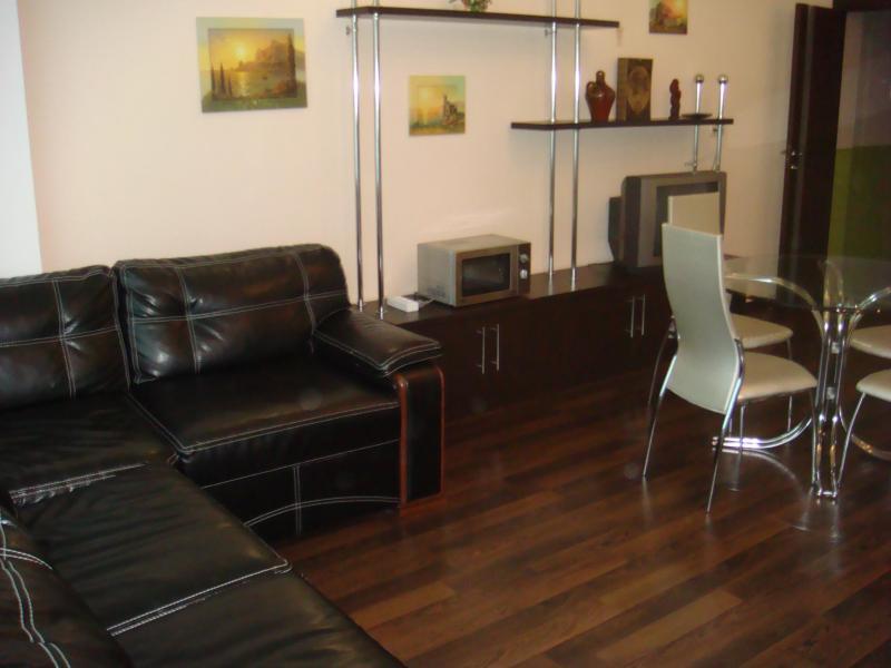 33 Посуточно Ялта 3-х комнатные апартаменты ( Анжела) ул Свердлова низ  Массандровский пляж