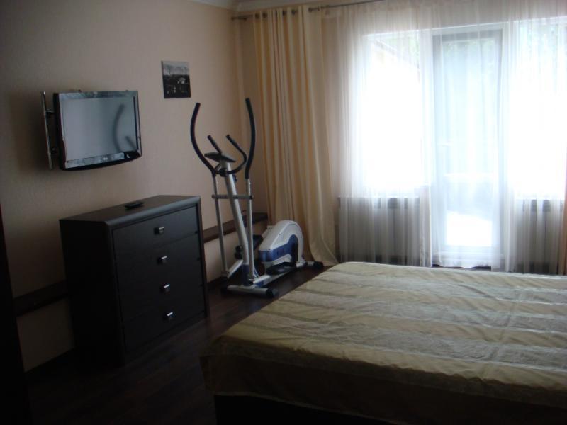 Фото  33 Посуточно Ялта 3-х комнатные апартаменты ( Анжела) ул Свердлова низ  Массандровский пляж