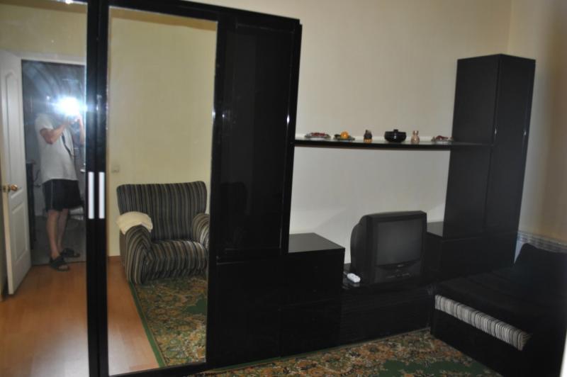 Фото  09 Сдам посуточно 2-х комнатные апартаменты аренда жилья Ялта р-н театр Юбилейный - центр набережной