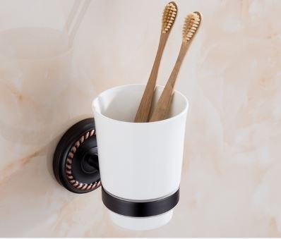 Стакан черный настенный для зубных щеток 0450