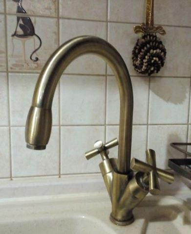 Смеситель кухонный двухвентельный на кухню Италия 0400
