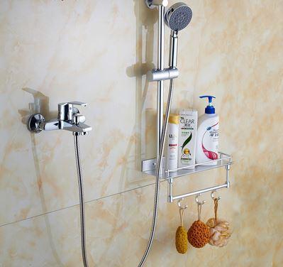 Смеситель кран в ванную со штангой полочкой и лейкой хром 0178