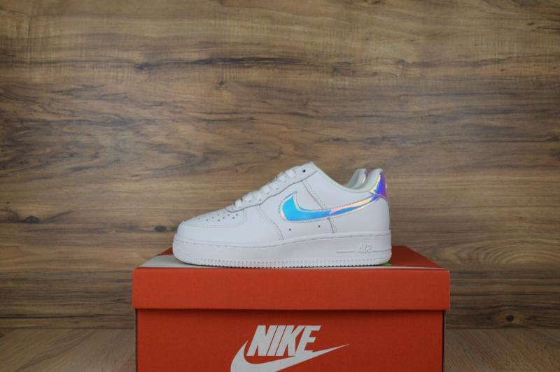 Фото  Nike Air Force Low White Holographic (36-40)
