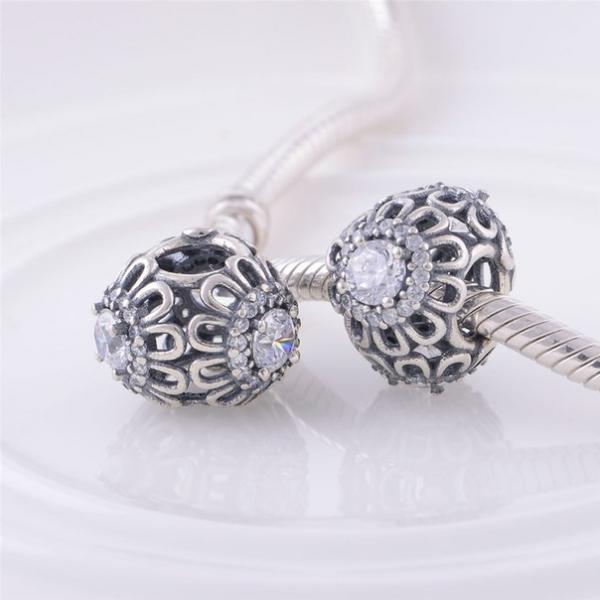 "Шарм бусина Pandora (Пандора) ""Железный цветочек с камнем"""