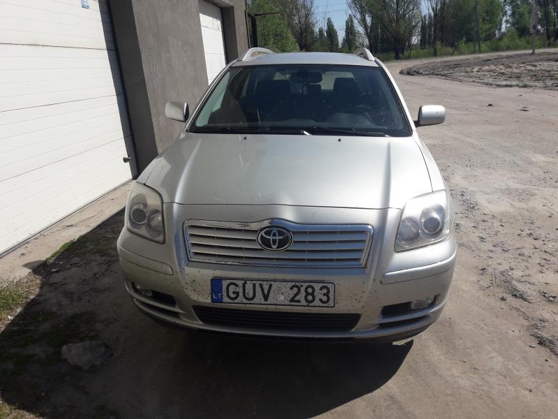Totota Avensis