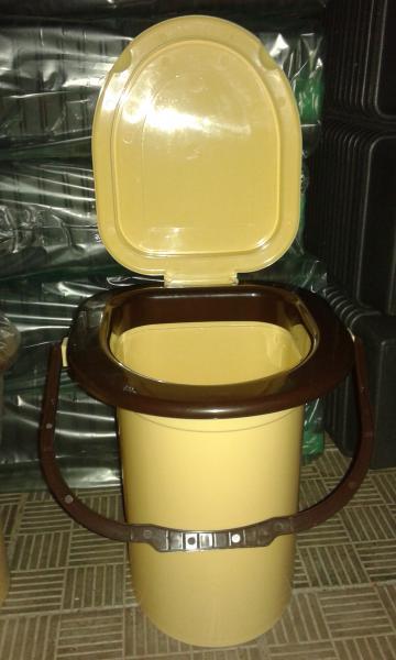 Ведро - туалет