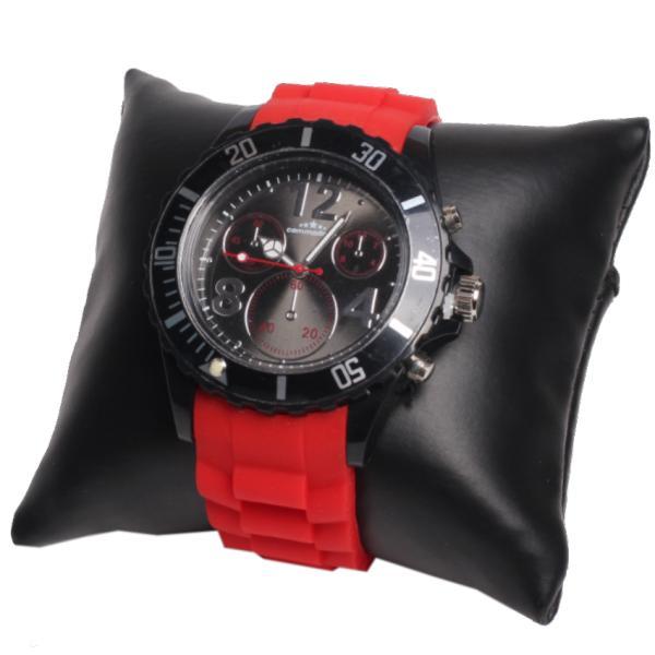 Яркие часы на силиконовом ремешке
