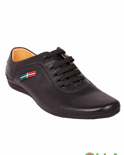 Туфли в спортивном оформлении