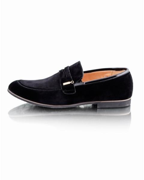 Классические черные туфли
