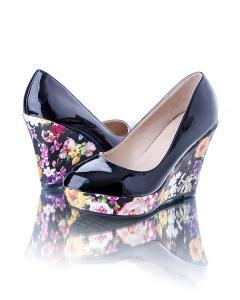 Фото Женщинам, Женская обувь, Женские туфли Туфли с цветочной танкеткой