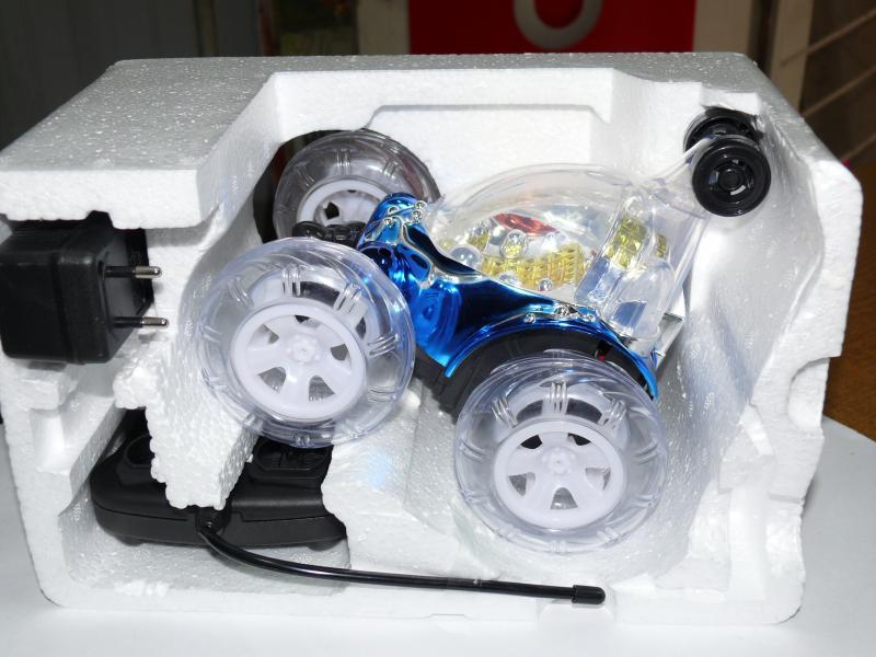 Перевертыш машинка, синяя с музыкой и подсветкой, 18 см, № 9029D.