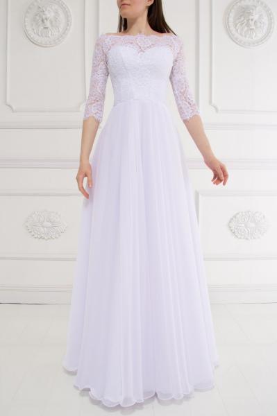 Непышное свадебное платье с легкой юбкой Дива