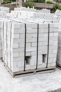 Фото  Кирпич силикатный с доставкой Украине от производителя