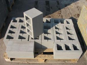 Фото  Шлакоблок (блок бетонный, гранотсевный) с доставкой по Украине от производителя