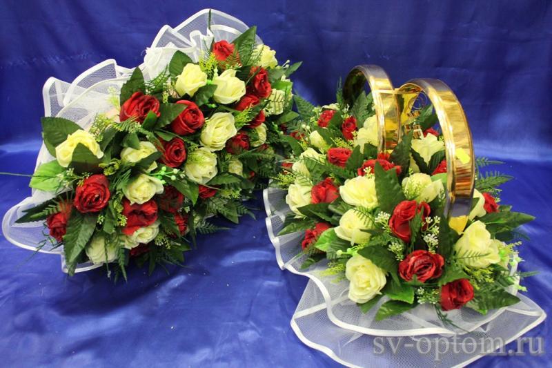 Комплект кольца и торпеда с красными и кремовыми букетными розами арт.119-047