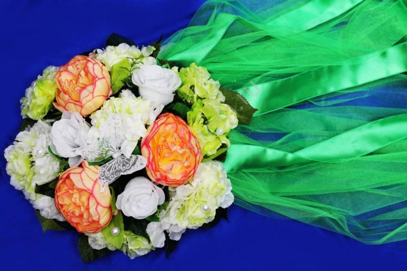 Круг с цветами на капот с зеленым фатином арт.120-348