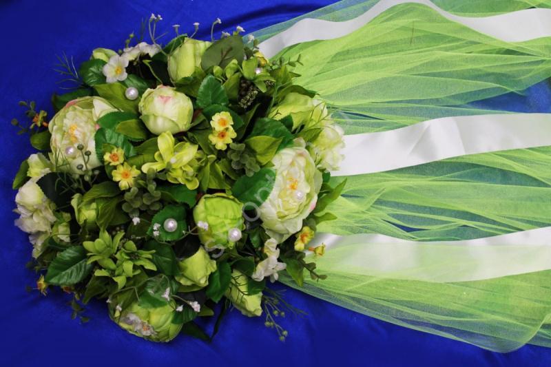Круг с цветами на капот с кислотным фатином арт.120-347