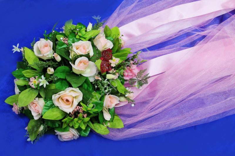 Круг с цветами на капот с розовым фатином арт.120-345