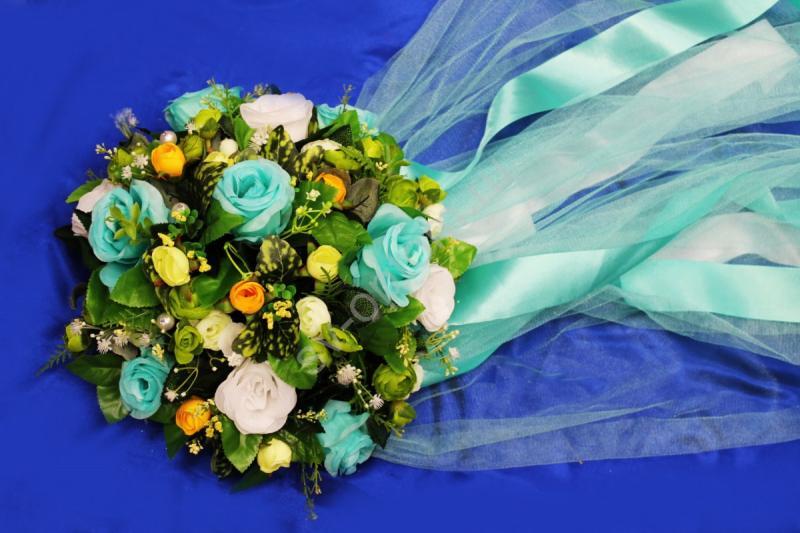 Круг с цветами на капот с фатином тиффани арт.120-344