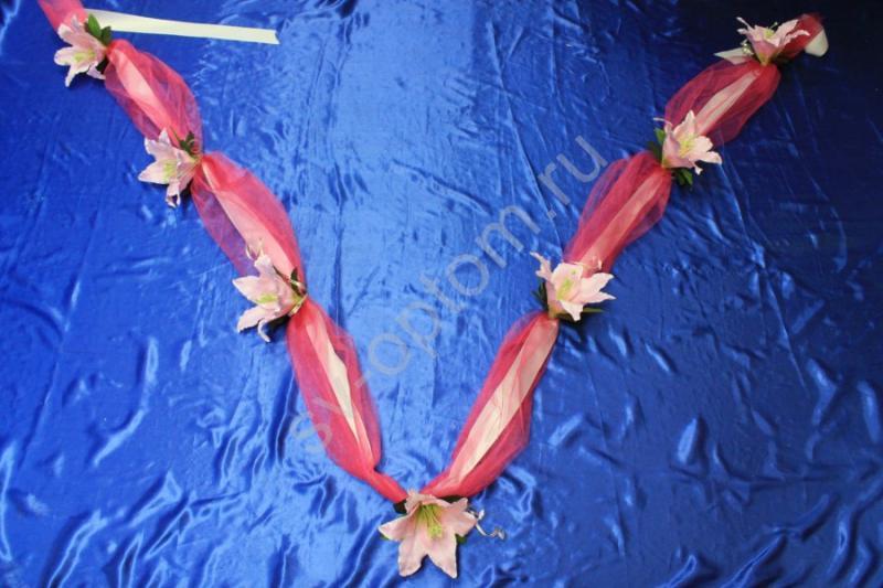 Лента на капот с фатином фуксия и розовыми розами арт.120-197
