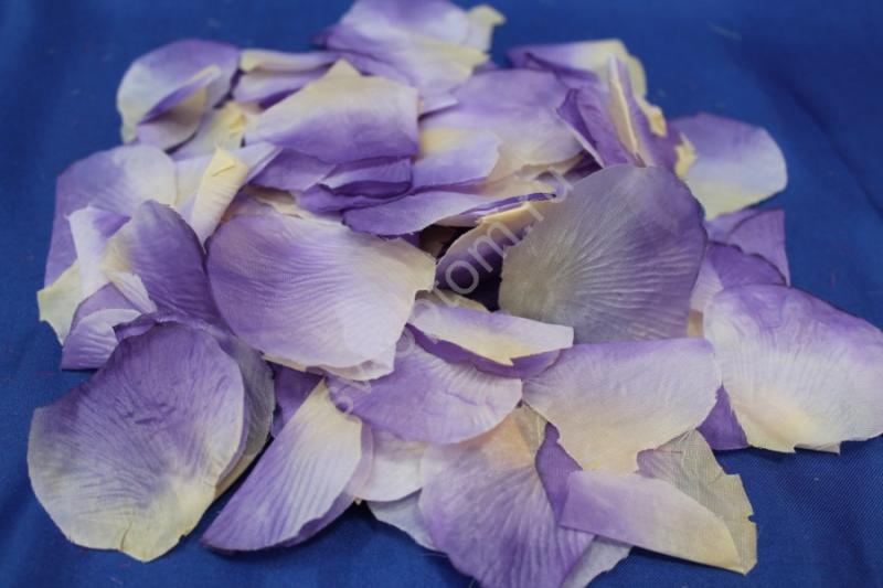 Лепестки роз фиолетово-бежевые арт. 077-033