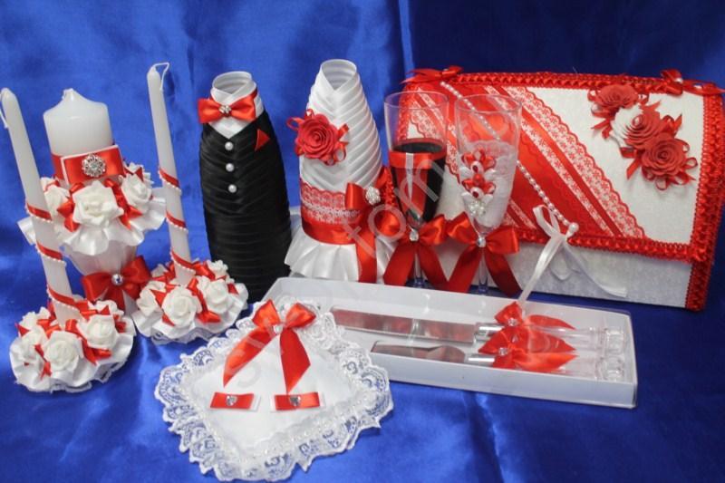Набор красный (свечи, бокалы, одежда на шампанское, сундучок, подушечка, ножи) арт. 053-161
