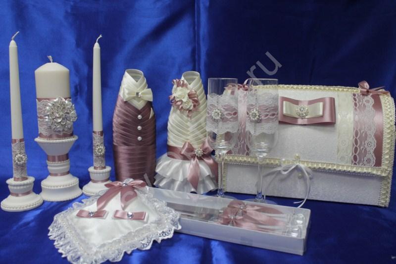 Набор с брошкой (свечи, бокалы, одежда на шампанское, сундучок, подушечка, ножи) арт. 053-146