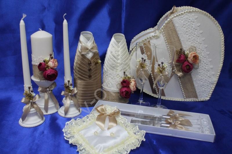 Набор с мешковиной/ (свечи, бокалы, одежда на шампанское, сундучок, подушечка, ножи) арт. 053-162