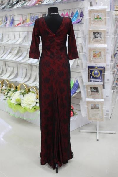 Платье вечернее Вид сзади Цвет: красно-черное Размеры 36,38,40. арт. 012-017