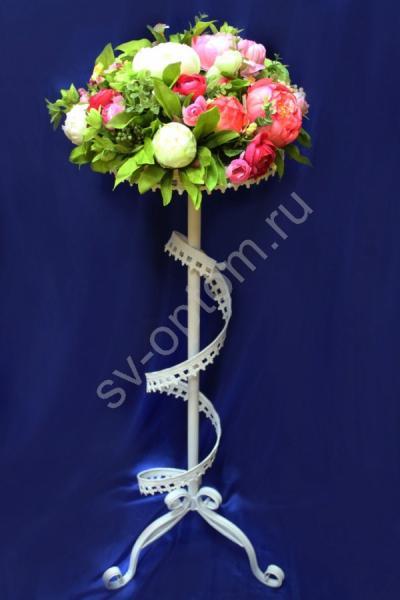 Подставка для декора украшенная пионами арт. 096-041