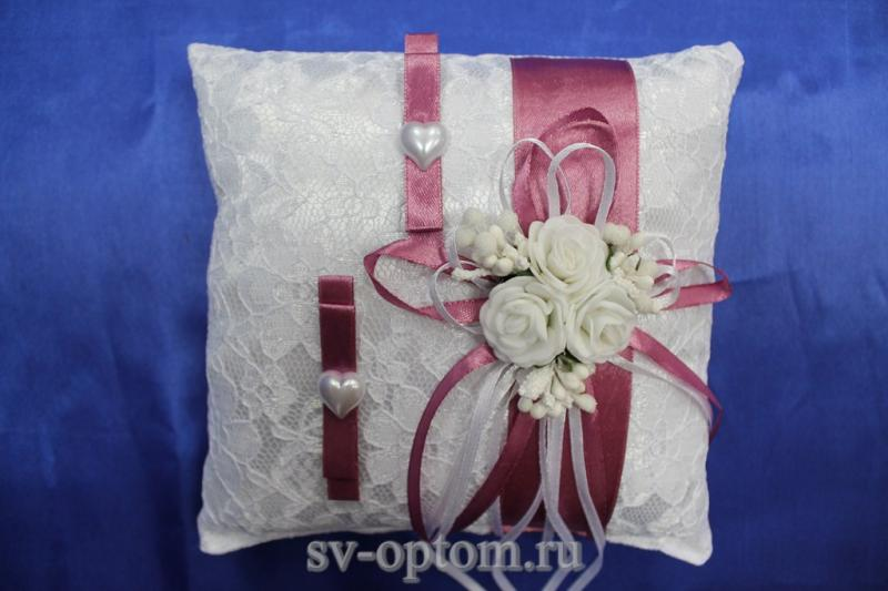 Подушка для колец Цвет: Белый с фуксия лентой арт. 117-104