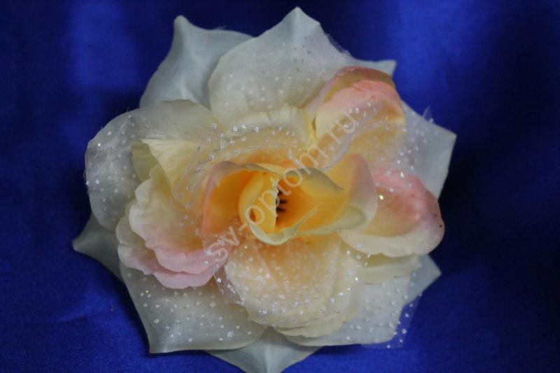 Роза персик в крапинку маленькая (головка) Мин. заказ от 10шт! арт. 137-047