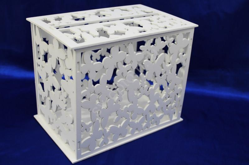 "Сундучок ""Семейный банк"" с бабочками Цвет: Белый мат. дерево арт. 010-036"