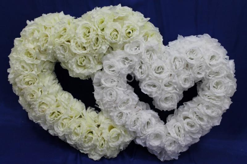 """Украшение на машину с фатином """"Два сердца"""" Цвета: айвори, белый арт.120-046"""