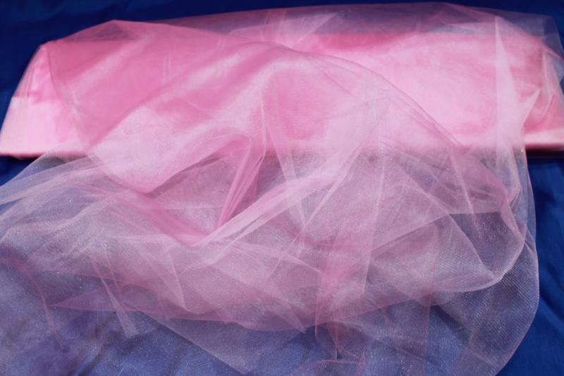 Фатин розовый. Ширина 3м. Цена за 1м погонный арт. 132-003