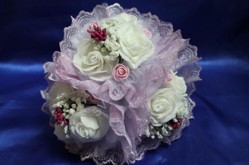 """Букет """"Тройняшка"""" с белыми латексными розами и сиреневым кружевом арт. 020-204"""